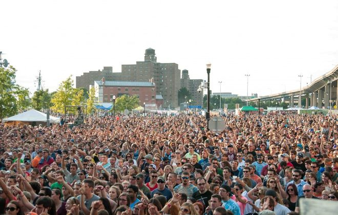 An estimated 10,000 people packed Canalside for an indie-heavy concert. (Matt Weinberg / Special to the News)