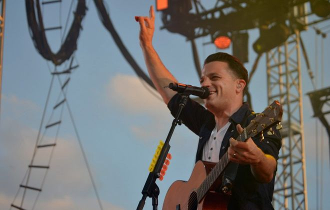 O.A.R. frontman Marc Roberge gestures to the Artpark crowd on July 2, 2014. (Cody Osborne / Special to the News)