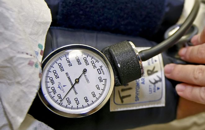 Doctors should not be the ones making decisions on whether a particular treatment is cost-effective. (Bloomberg photo)