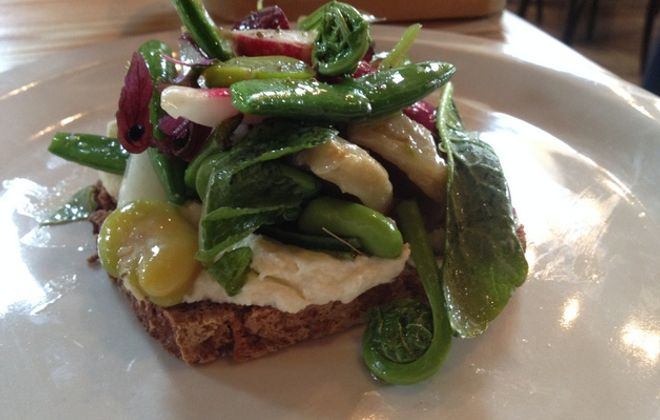 Can't-miss dishes: vegetable tartine and more at Elm Street Bakery