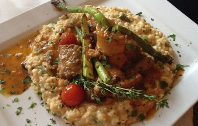 Can't-miss dishes: Stuffed peppers, osso buco at Casa Antica