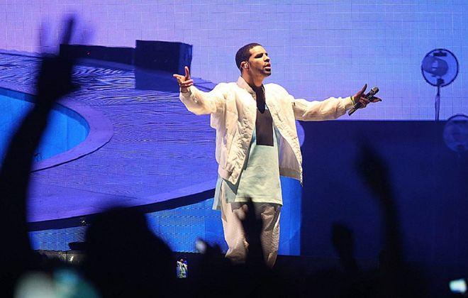 R&B sensation Drake will be accompanied by Lil Wayne to Darien Lake for one of this week's premier shows. (Robert Kirkham / Buffalo News file photo)
