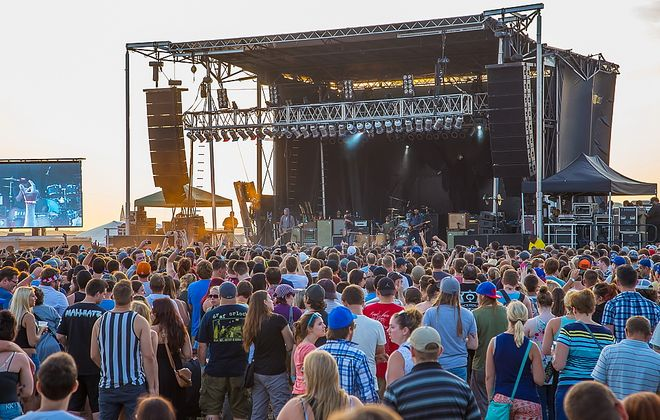 Edgefest at the Outer Harbor served as a perfect close to the weekend. (Don Nieman / Special to the News)