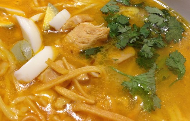 Burmese chicken coconut milk soup with noodles, owno koksware, at Lin Restaurant