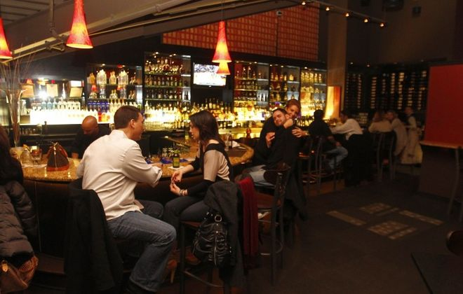 800 Maple is a sleek restaurant and bar with an upscale happy hour. (John Hickey/News file photo)
