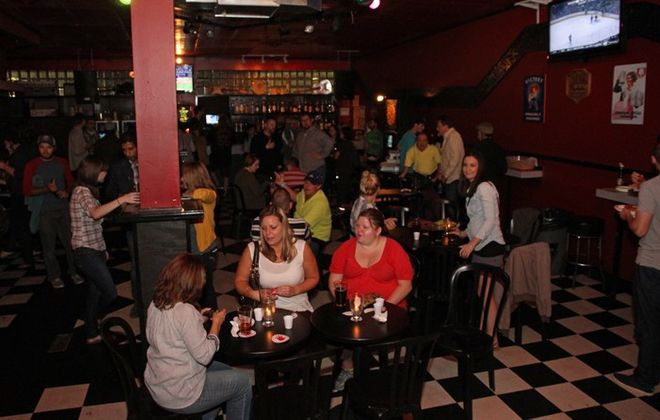 Mr. Goodbar has daily Happy Hour specials including discounts on drinks, food. (Erica Morano/Special to the News)