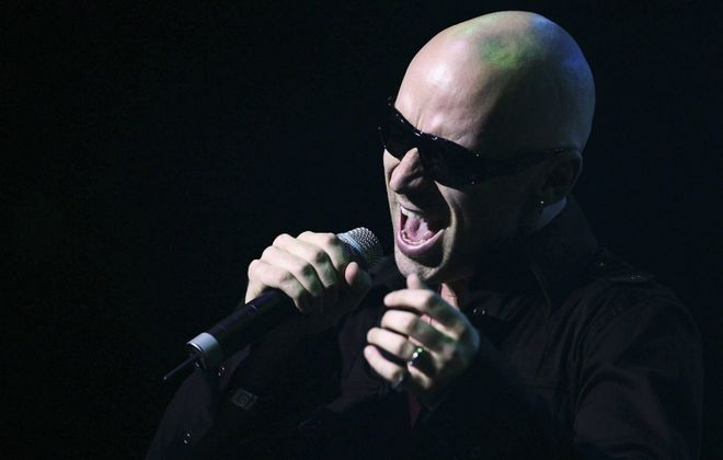 "Ed Kowalczyk will perform the album ""Throwing Copper"" in the Seneca Niagara Casino's Bear's Den."