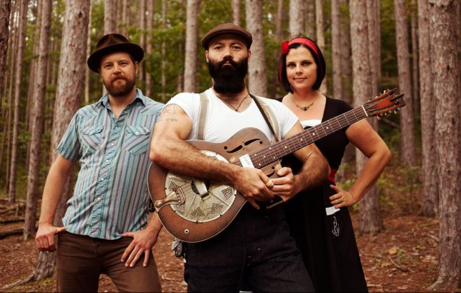 Reverend Peyton's Big Damn Band plays Waiting Room on April 25. (Tyler Zoller)