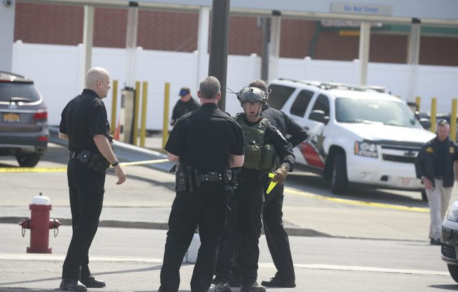 Suspected bomb left by bank robber leads to tense hours in Tonawanda
