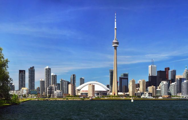 The view from the ferry as you head to the Toronto Islands. (Tourism Toronto)