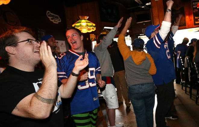 A simple question: Where should you watch Bills games? Not necessarily the easiest answer. Use our guide to help. (Sharon Cantillon/Buffalo News)