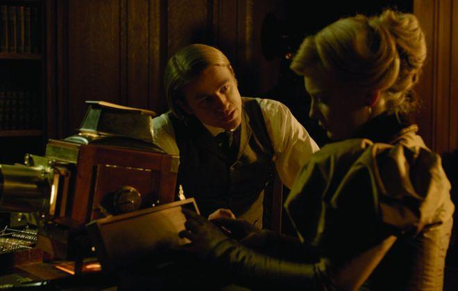 """Charlie Hunnam and Mia Wasikowska in """"Crimson Peak."""""""
