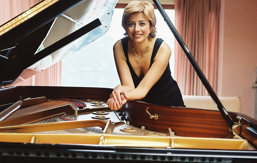 Pianist Enrica Ciccarelli is stopping by Buffalo on her way to Carnegie Hall.