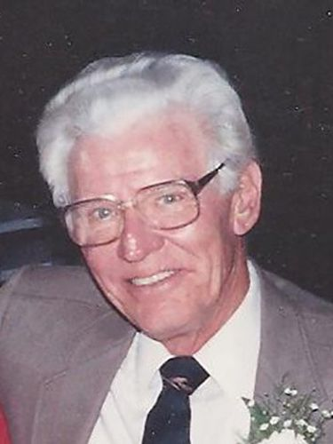 Frank C. Woodward, WWII veteran, co-owner of optical company