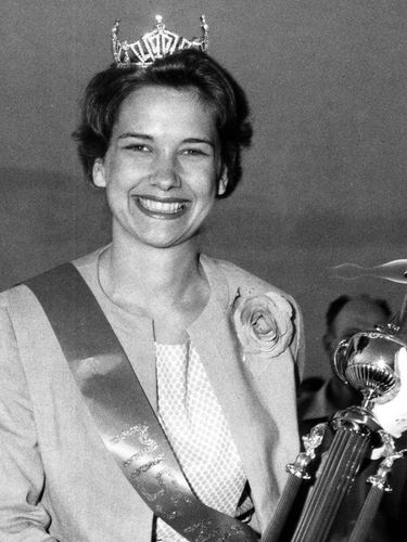 Kathryn Moden Battaglia, teacher, pageant winner