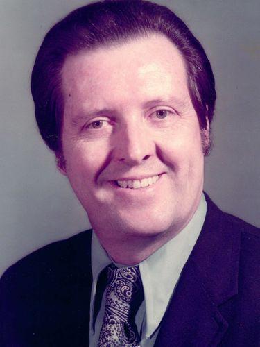 William E. Schroer, retired Buffalo police lieutenant, pilot