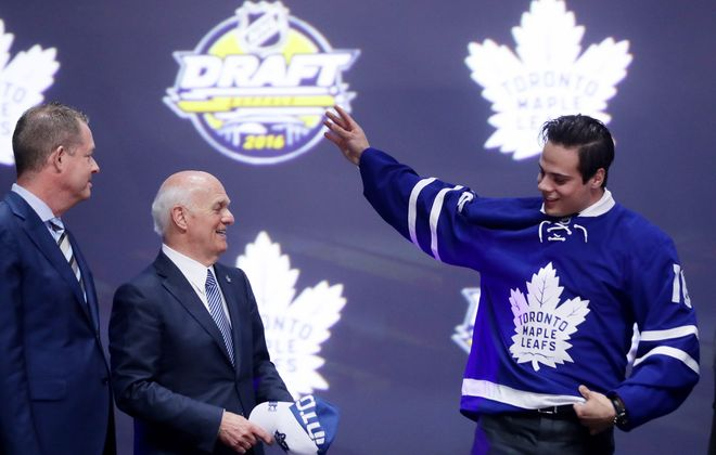 Lou Lamoriello (left) selected Auston Matthews first in the 2016 draft. (Getty Images).