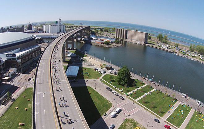 Hundreds of riders rolled over the Skyway during the SkyRide. (Photo by Terry Wherry)