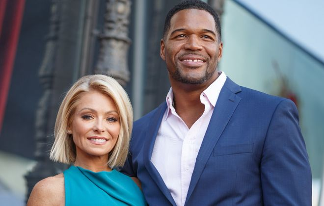 Jeff Simon digs into the drama between Kelly Ripa, left, and Michael Strahan. (Photo by Mark Davis/Getty Images)