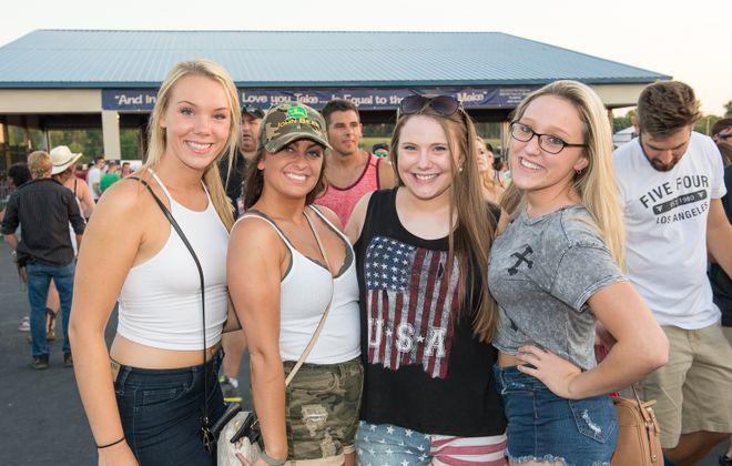 Fans at Florida Georgia Line show. (Matt Weinberg/Special to The Buffalo News)