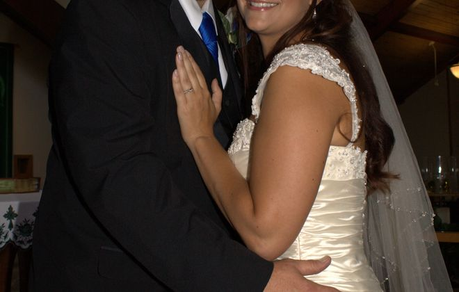 Andrea R. Falletta and Mark J. Kurtz are wed in Elma