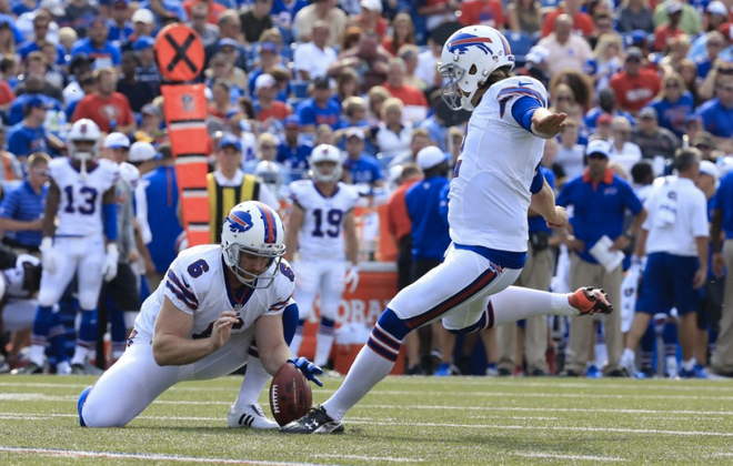 Dan Carpenter never received Steve Christie's offer to help with his kicking, according to Christie. (Buffalo News file photo)