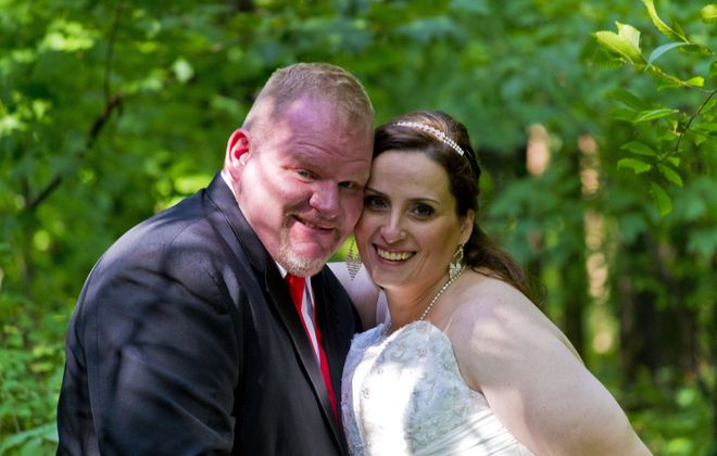 Louis Kenyon and Kathy Lombardo wed in Jellystone Park