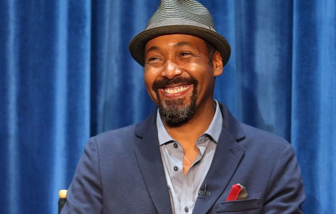 """Jesse L. Martin doing press for his new show """"The Flash."""" (Getty Images)"""