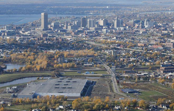 The giant Solar City plant at Riverbend in South Buffalo, Friday, Nov. 4, 2016.  (Derek Gee/Buffalo News)