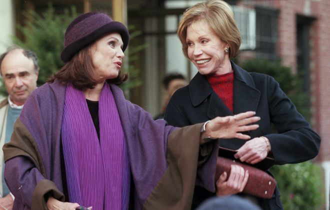 """Mary Tyler Moore and Valerie Harper film """"Mary & Rhoda"""" on the streets of Manhattan in 1999. Moore died Wednesday at 80. (Sara Krulwich/The New York Times)"""