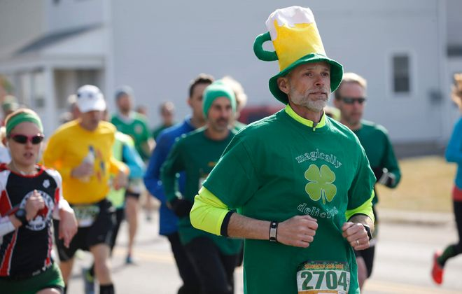The 40th Shamrock Run colors the Old First Ward and surrounding neighborhoods on Saturday. (Derek Gee/News file photo)