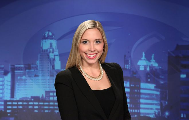 Hannah Buehler solo anchored Channel 7 news following the Bills vs. Browns preseason game. (via WKBW)