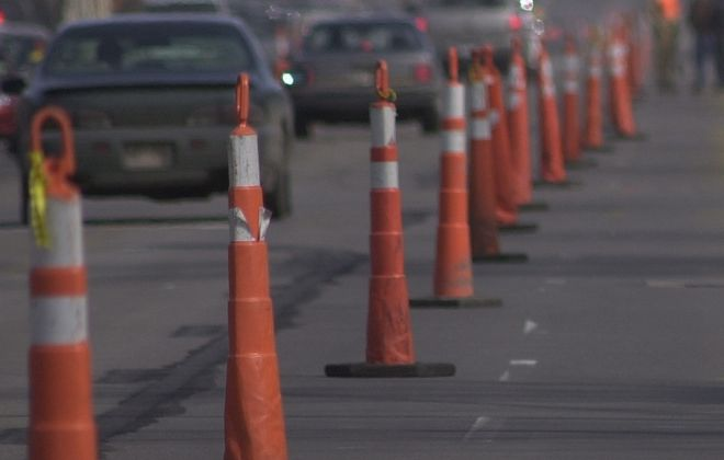 Road work to close 1 eastbound lane on the I-290