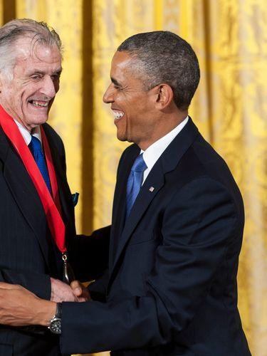 U.S. President Barack Obama (R) presented a 2012 National Humanities Medal to National Humanities Medal to writer Frank Deford. (Getty Images)