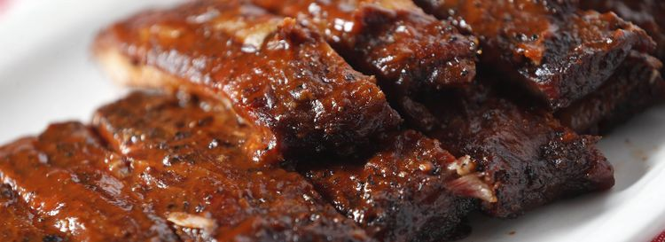 Say goodbye to the full rack of St. Louis-cut ribs at Kentucky Greg's Hickory Pit. (Sharon Cantillon/News file photo)