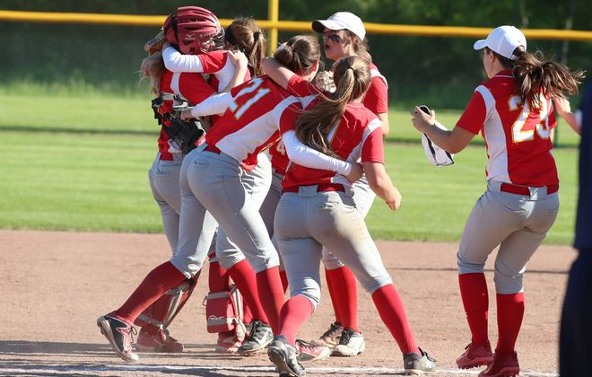 Williamsville East defeated Section V champion Mercy to earn a trip to the state final four in softball. (James P. McCoy/Buffalo News)