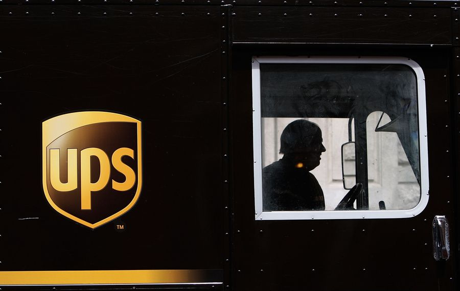 Free shipping is important to holiday shoppers this year. (Getty Images)