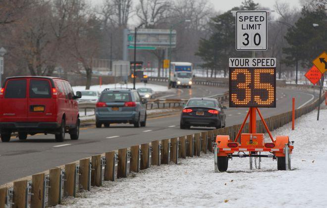 Cars drive the Scajaquada Corridor in Buffalo Monday, December 12, 2016.    (Mark Mulville/The Buffalo News)