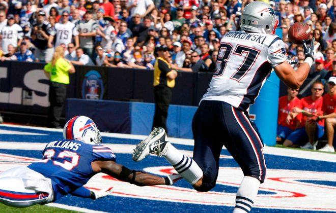 Aaron Williams never developed into the stopper of Rob Gronkowski that previous Bills regimes hoped he would, Paul Peck said during this podcast. (James P. McCoy/Buffalo News)