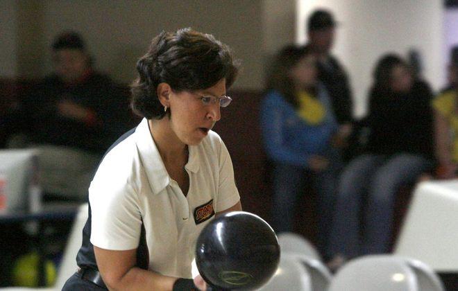 Liz Johnson is back at front in the U.S. Women's Open. (Robert Kirkham/Buffalo News file photo)