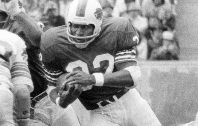 O.J. Simpson ran for 157 yards on 39 carries and two first-quarter touchdowns as he went past the 1,000-yard mark for the season after only seven games. (Buffalo News file photo)