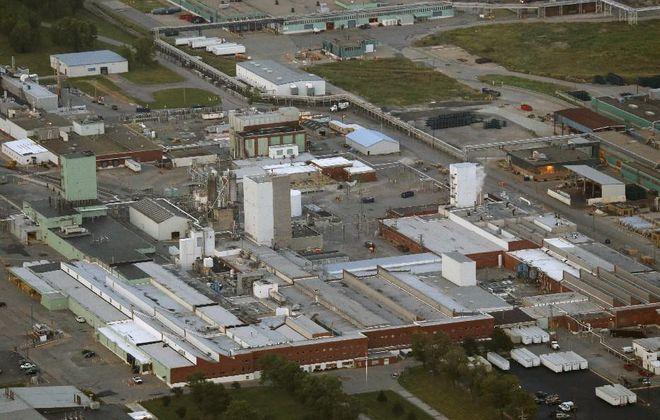The DowDuPont Yerkes plant in the Town of Tonawanda. (Derek Gee/Buffalo News)