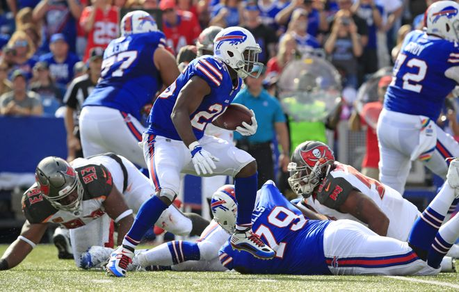 Buffalo Bills LeSean McCoy runs against the Tampa Bay Buccaneers.  (Harry Scull Jr./ Buffalo News)