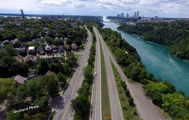 A current view of the Niagara Scenic Parkway from Orchard Parkway toward downtown Niagara Falls. (Courtesy Empire State Development)