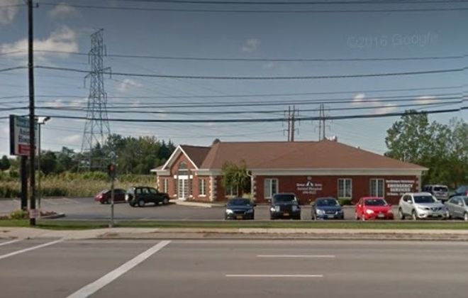 Green Acres Animal Hospital at 2060 Niagara Falls Blvd. in the Town of Tonawanda is looking to expand. (Google image)
