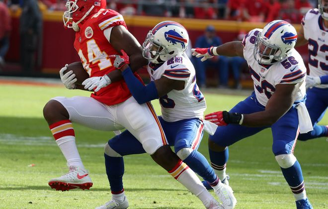 E.J. Gaines' impressive fourth quarter was a huge part of Buffalo's 16-10 victory in Arrowhead Stadium. (James P. McCoy/Buffalo News)