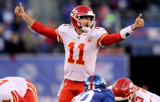 Alex Smith #11 of the Kansas City Chiefs calls out the play in the fourth quarter against the New York Giants on November 19, 2017, at MetLife Stadium in East Rutherford, New Jersey.  (Getty Images)
