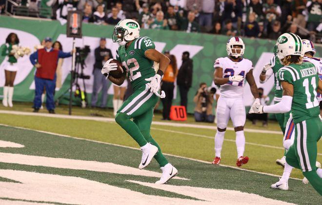 New York Jets running back Matt Forte (22) rushes for a touchdown in the fourth quarter of Thursday night's game against the Bills. (James P. McCoy/Buffalo News)
