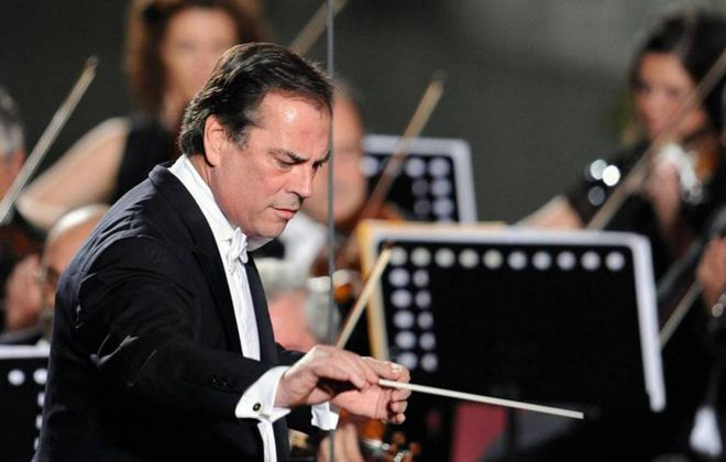 Former Buffalo Philharmonic Orchestra Music Director Maximiano Valdes returned to lead the orchestra through a rousing concert in Kleinhans Music Hall. (Getty Images)