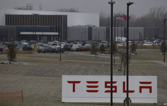 Tesla's solar energy deployments are at a six-year low, and the company is changing it sales strategy. (Derek Gee/ News file photo)